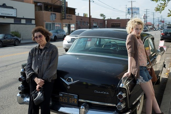Lily Tomlin and Julia Garner in Learning to Drive