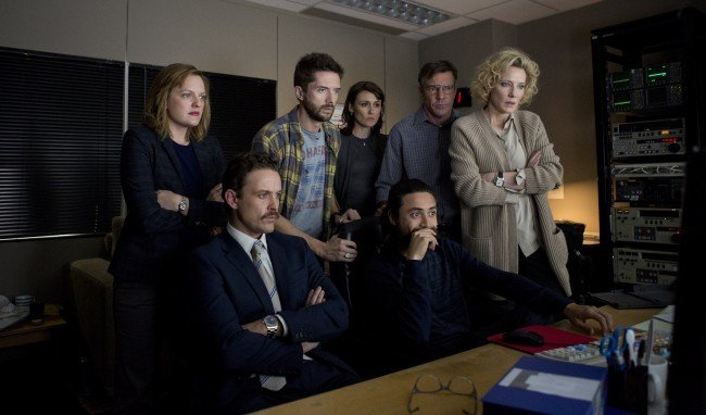 Dennis Quaid, Cate Blanchett, Elisabeth Moss, Topher Grace, and David Lyons in a still from Truth.