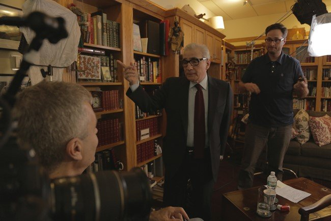 6.Martin Scorsese speaks to director Steve James on the set of Life Itself