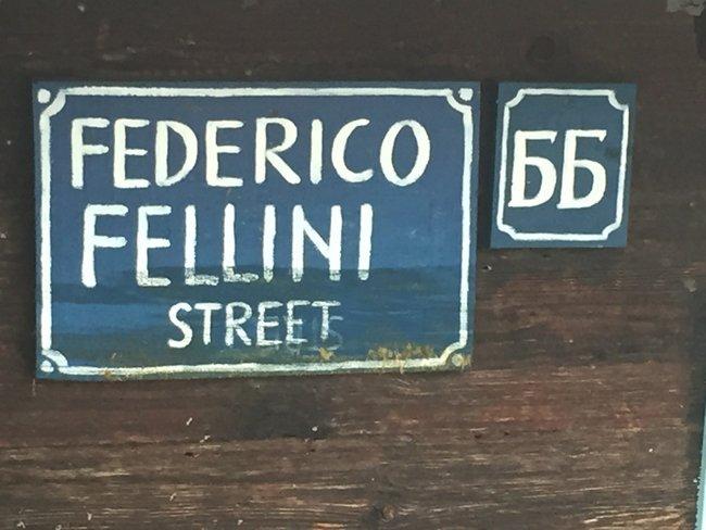 federico_fellini_street_kustendorf_2015