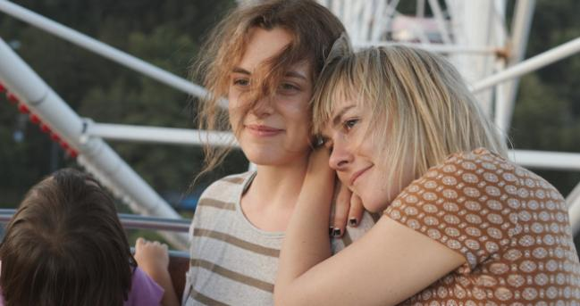 Riley Keough (L), with Jena Malone in Lovesong. Courtesy of the Sundance Institute