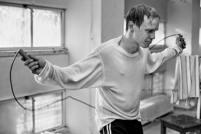 Jarkko Lahti as Olli Maki