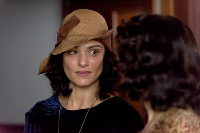 Rachel Weisz plays Hannah Roennfeldt in The Light Between Oceans