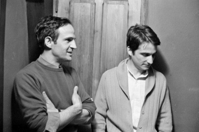 Franois TRUFFAUT and Jean-Pierre LEAUD. François Truffaut (r) directs Jean-Pierre Léaud (c) in Two English Girls (1971).